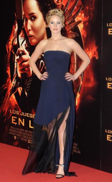 """Jennifer Lawrence lors de la première de """"Hunger Games : L'Embrasement"""" à Madrid, le 13 novembre 2013."""