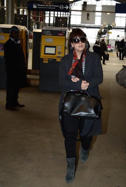 Lily (Allen) Cooper à son départ de Paris le 27 février 2013