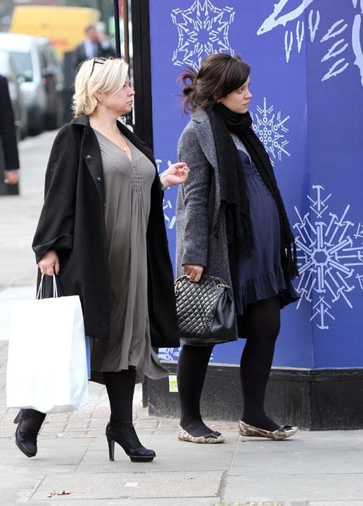 Lily Allen dans le quartier Notting Hill de Londres le 18 décembre 2012