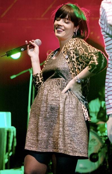 Photos lily allen f te ses 26 ans aujourd hui retour - Peut on tomber enceinte avant le retour de couche ...
