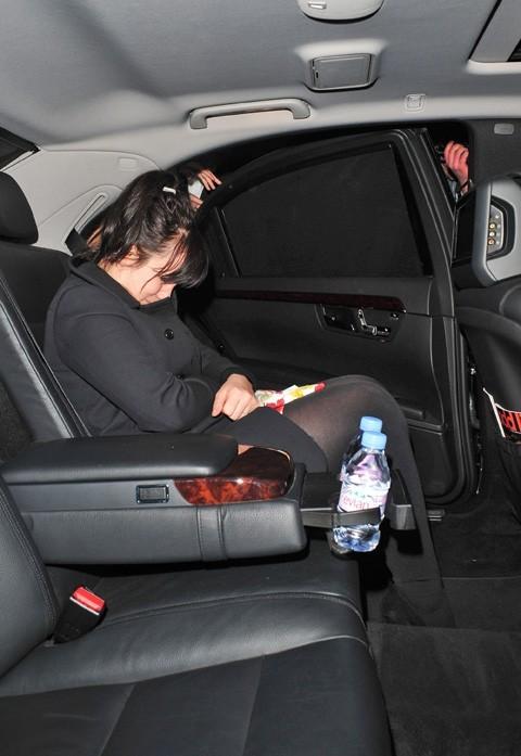 Elle comate dans le taxi !