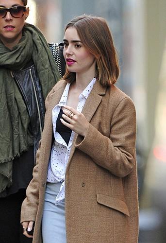 Lily Collins à New-York le 18 octobre 2013