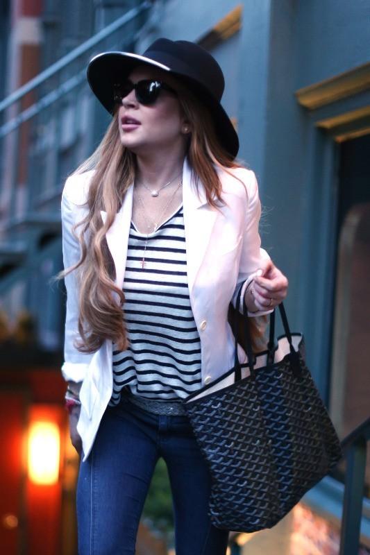 Lindsay Lohan sortant du restaurant Lure à New York, le 8 avril 2013.