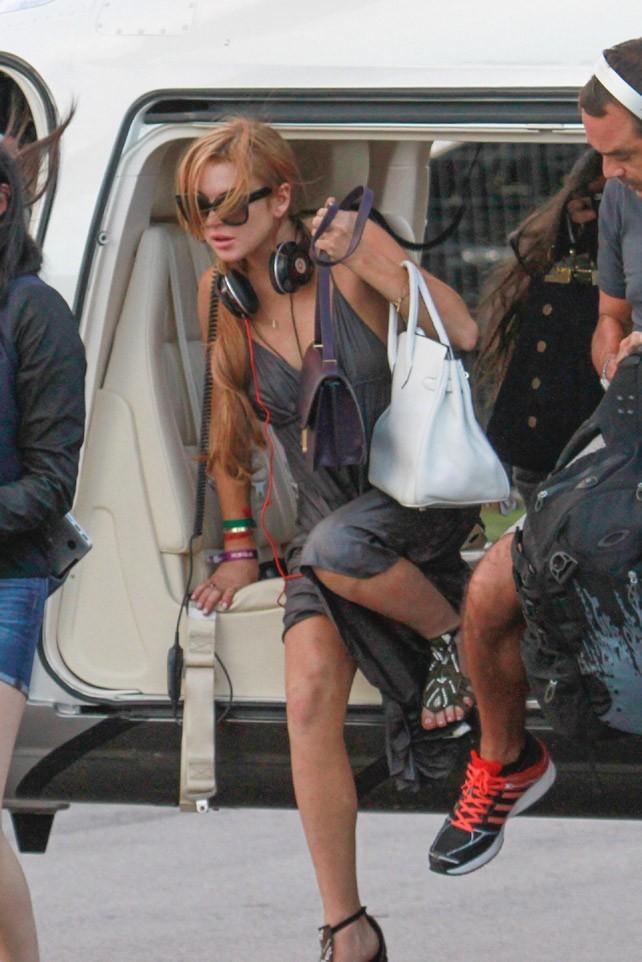 Lindsay Lohan après son trip en hélico à Florianopolis, au Brésil, le 30 mars 2013