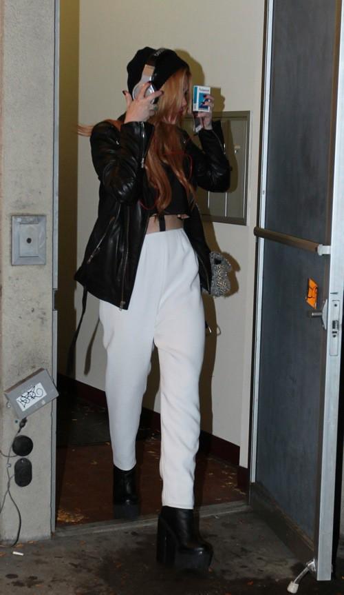 Photos : Lindsay Lohan : visiblement plus timide habillée que déshabillée...