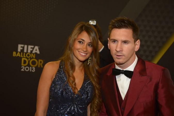 Lionel Messi avec sa girlfriend Antonella Rocuzzo à la cérémonie du Ballon d'Or 2013 organisée à Zurich le 13 janvier 2014