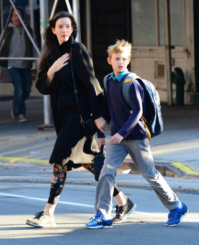 Liv Tyler et son fils Milo à New York le 6 octobre 2014