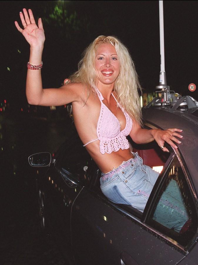 Photos : Loana en 2001, à son entrée dans le Loft
