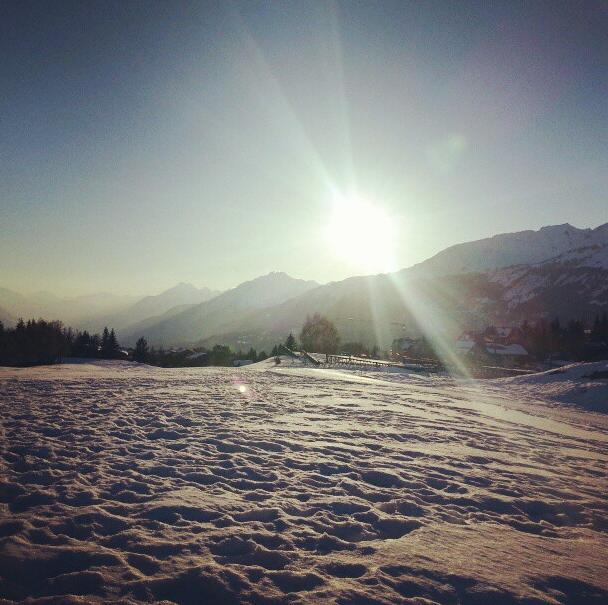 Photos : Lorie : elle s'éclate au ski !