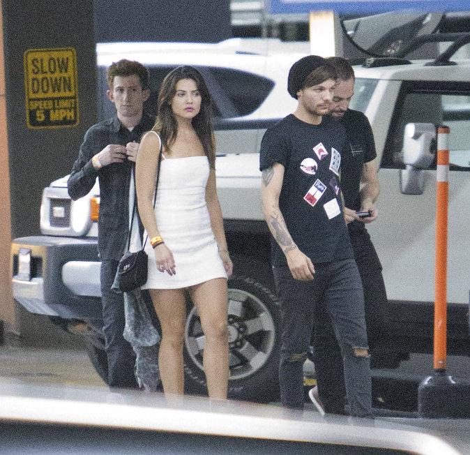 Louis Tomlinson et sa petite amie Danielle Campbell dans les rues de Los Angeles