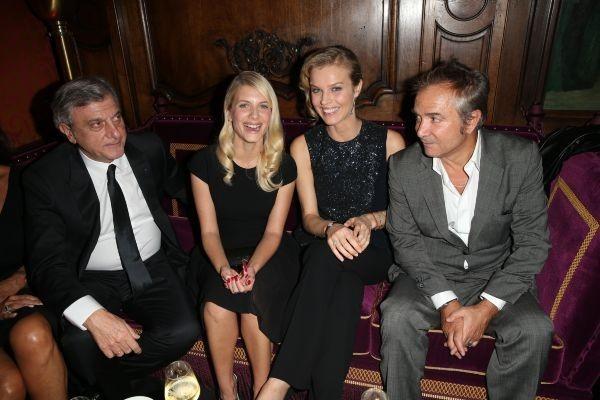 Sidney Toledano, Mélanie Laurent, Eva Herzigova et Claude Martinez lors du cocktail Dior à Paris, le 24 octobre 2012.