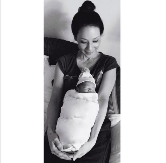 Photos : Lucy Liu : les images craquantes de son baby-boy !