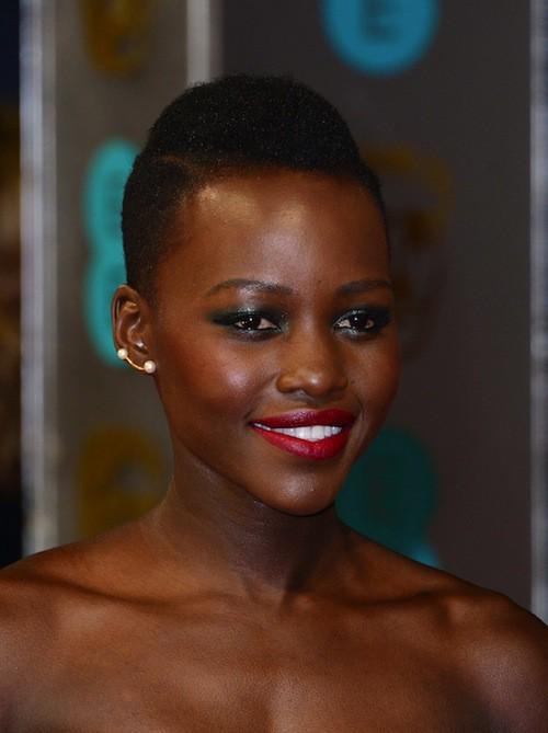 Photos : Lupita Nyong'o : reine du red carpet aux BAFTA 2014 !