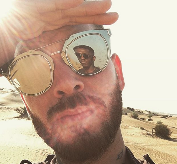 Photos : M. Pokora : beau gosse en qamis à Abu Dhabi !