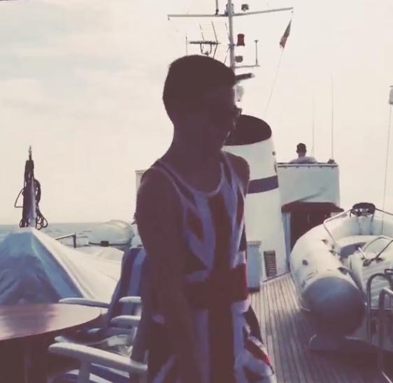 Sur le yacht, Rocco fait le show !