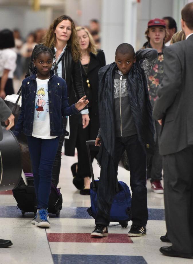 Photos : Madonna : fini le farniente en Europe, retour à New York en famille !