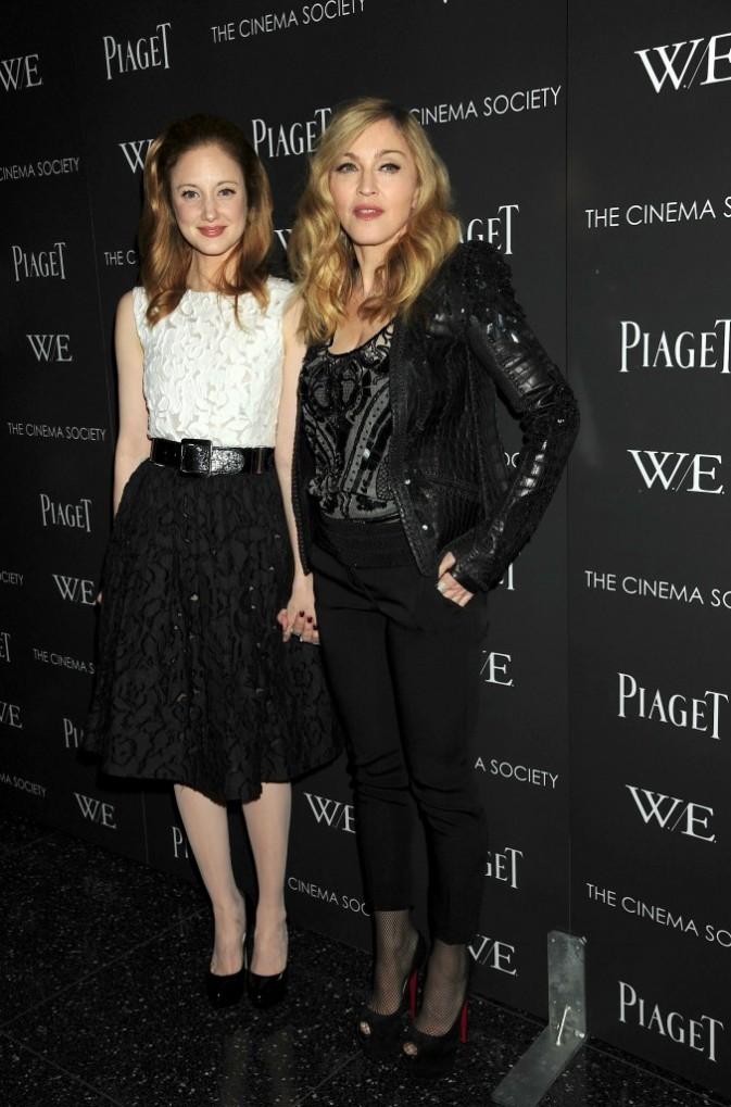 Andrea Riseborough et Madonna lors de la première de son film W.E à New York, le 4 décembre 2011.
