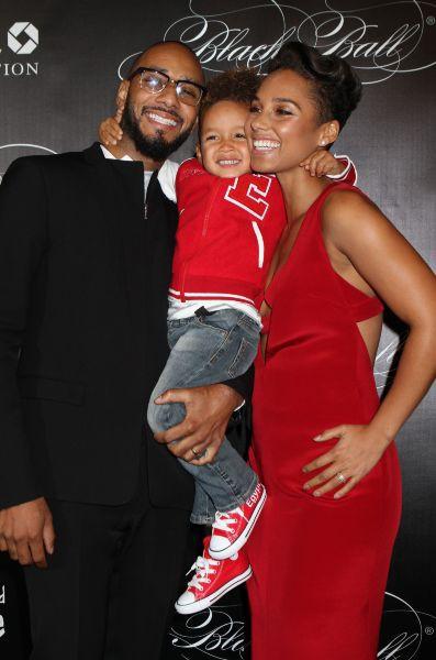 "Alicia Keys en famille lors du ""Black Ball"" à New York, le 7 novembre 2013."