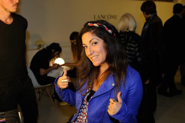 """Leslie Benaroch lors du vernissage de l'exposition """"The Little Black Bottle"""" à Paris, le 18 septembre 2013."""