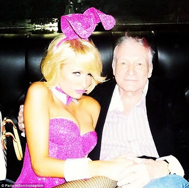 Paris Hilton en lapine sexy pour Hugh Hefner !