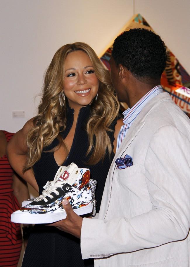 Trop fière de sa paire de basket créée pour l'occasion !