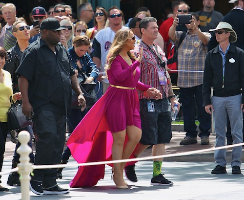 Photos : Mariah Carey, princesse Disney ultra décolletée !