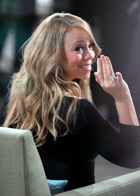 Mariah Carey sur le plateau de Good Morning America à New York, le 20 février 2012.