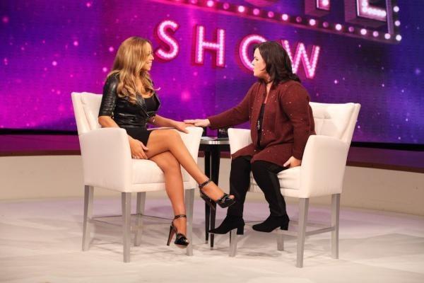 La taille marquée, les jambes fines...Mariah est de retour !