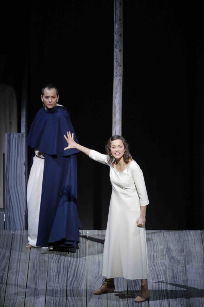 Marion Cotillard : découvrez la dans son rôle de Jeanne d'Arc !