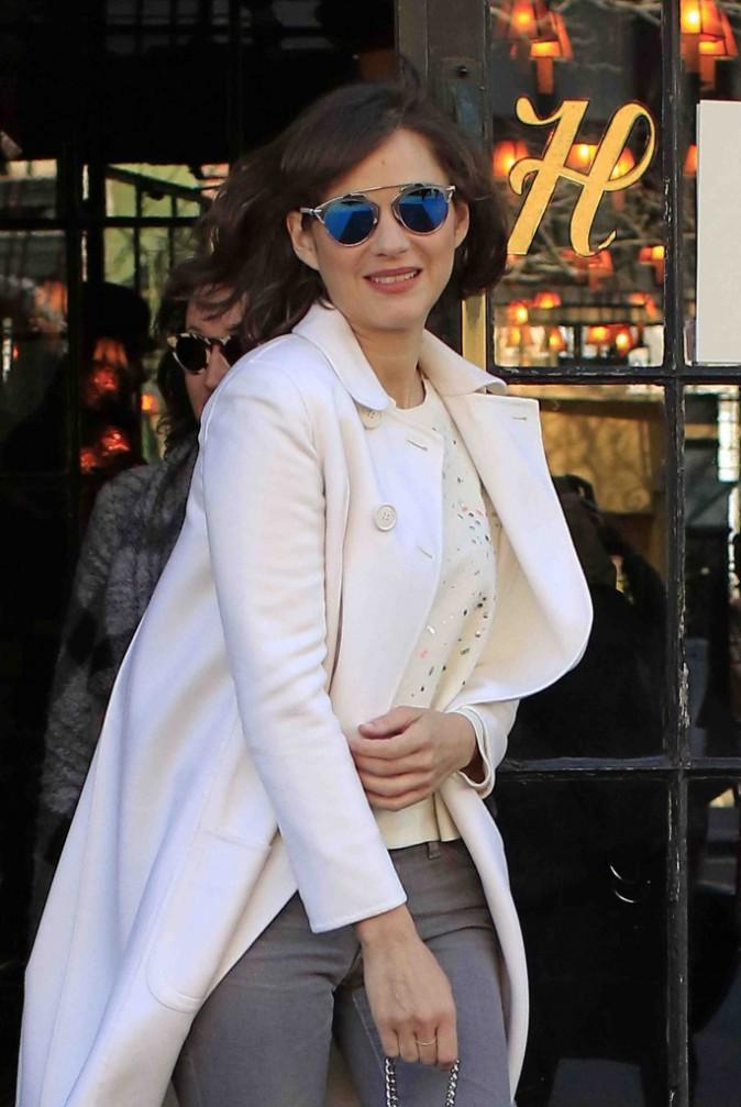 Marion Cotillard : fière de son sacre, elle s'affiche souriante et stylée !