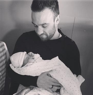 Photos : Mathieu Valbuena papa pour la première fois !