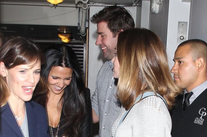 Jennifer Garner, Emily Blunt, John Krasinski et Luciana Barroso à un dîner entre amis à Los Angeles, le 12 novembre 2014