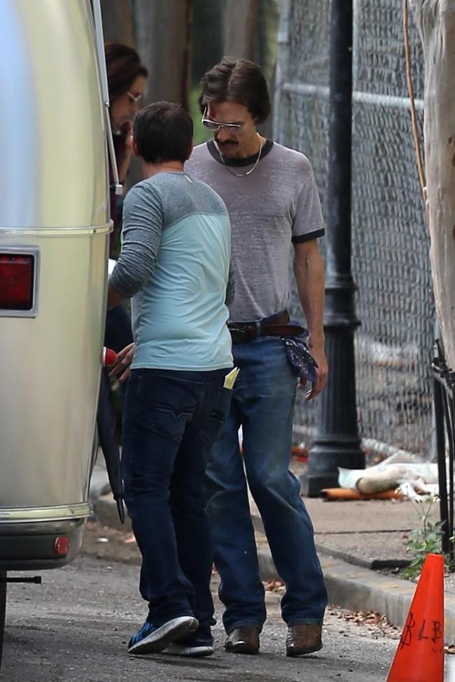 Matthew McConaughey sur le tournage de The Dallas Buyers Club à Los Angeles le 11 novembre 2012