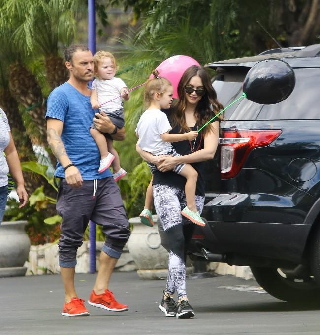 Megan Fox et Brian Austin Green se retrouvent avec leurs enfants à Toluca Lake