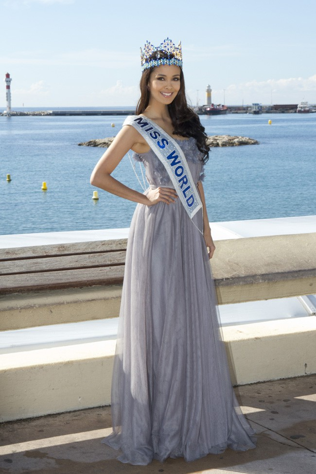 Megan Young (Miss Monde 2013) à Cannes le 8 octobre 2013