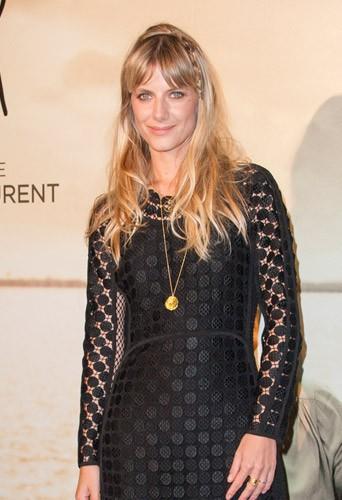 Mélanie Laurent : sublime pour présenter