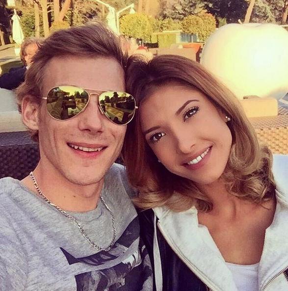 Photos : Mélanie (Secret Story 10) : déjà en couple... découvrez qui est son mec !