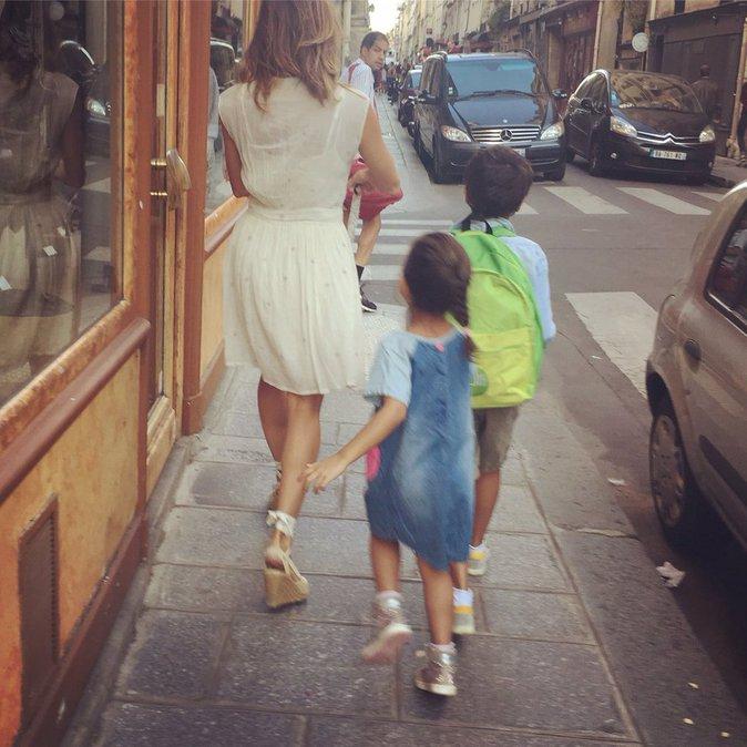 Photos : Mélissa Theuriau sexy pour la rentrée de ses enfants, Jamel Debbouze trop fier !