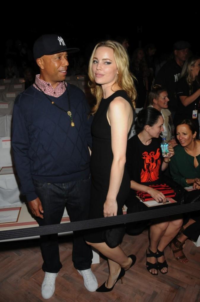 Russell Simmons et sa girlfriend l'actrice Melissa George au défilé Tommy Hilfiger à New York, le 11 septembre 2011.