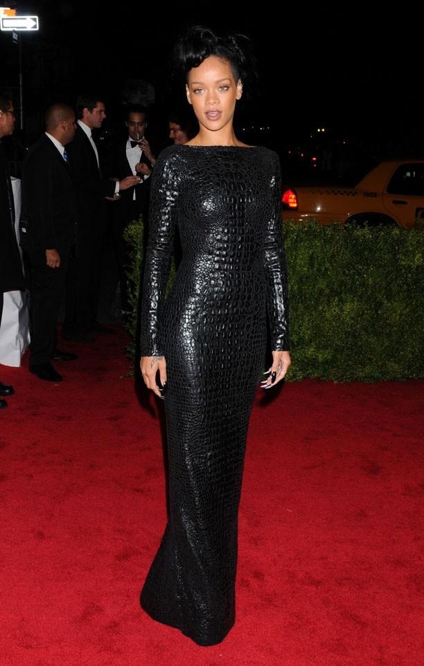 Rihanna en robe Tom Ford !