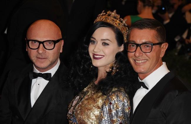 Katy Perry et les créateurs Dolce & Gabbana le 6 mai 2013 à New York