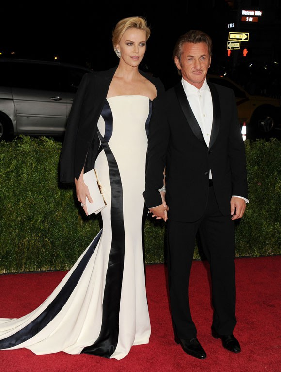 Charlize Theron et Sean Penn au MET Ball organisé à New-York le 5 mai 2014