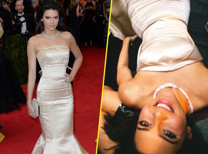 MET Ball 2014 : Kendall Jenner : impossible de s'asseoir dans sa robe ultra-serrée !