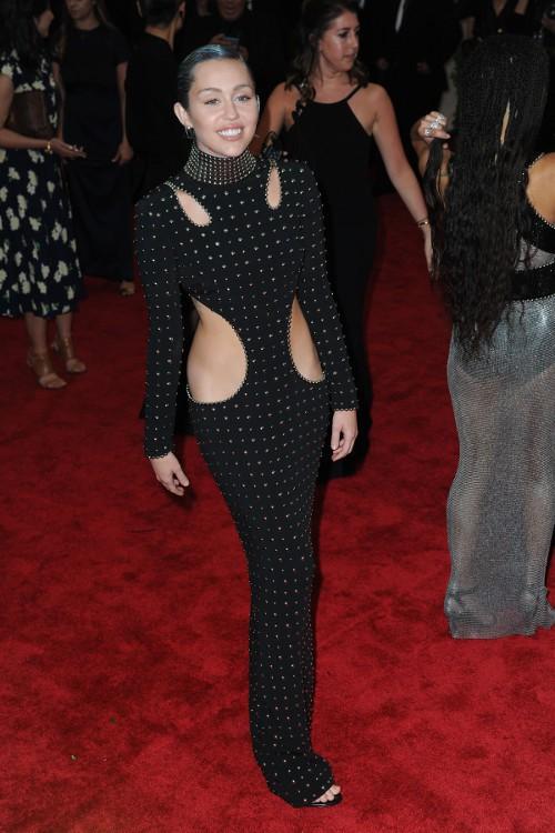 Miley Cyrus au Met Gala le 4 mai 2015