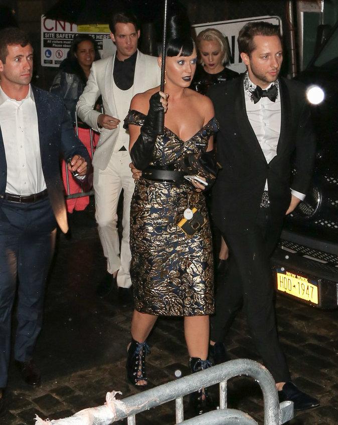 "Photos : Met Gala 2016 : Rita Ora et Katy Perry ne sont pas ""les Becky"" de Jay-Z, la preuve !"