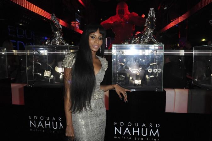 Mia Frye au VIP Room pour la soirée d'Edouard Nahum à Paris le 4 décembre 2012