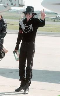 Michael Jackson à l'aéroport de Brême en Allemagne, le 29 mai 1997.