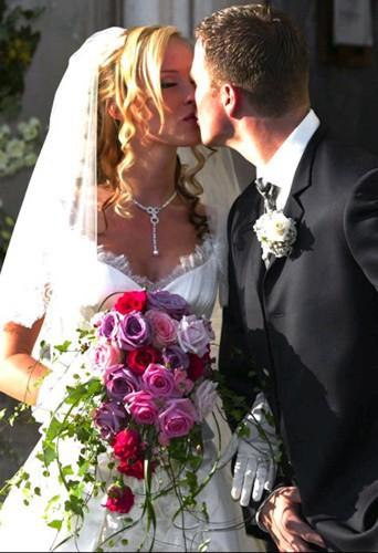 Son frère Ralph Schumacher épousé la belle blonde Cora en 2002 !