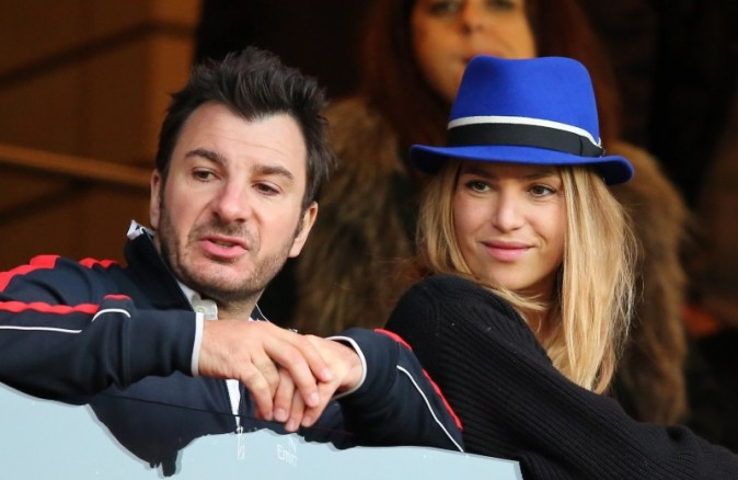 Michael Youn et Isabelle Funaro lors du match PSG-Barça