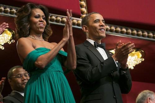Photos : Michelle Obama : une vraie princesse dans sa robe vaporeuse au bras de son gentleman de mari !